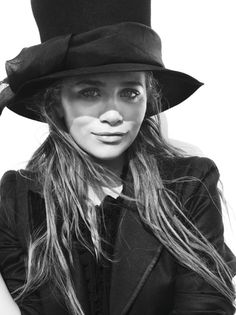 c2c85de942 the top hat look only really works on her and...abe lincoln Mary. Mary Kate  AshleyMary Kate OlsenElizabeth OlsenOlsen SisterOlsen ...