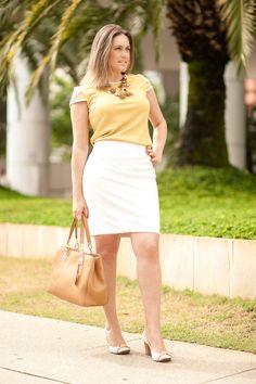 Look com saia de couro para o verão