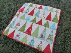 Quilting - Christmas Quilts - Nine-Patch Christmas Tree Quilt Block, Christmas Patchwork, Christmas Quilt Patterns, Christmas Sewing, Christmas Fabric, Christmas Trees, Modern Christmas, Christmas Quilting, Christmas Crafts
