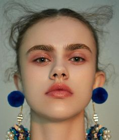 New Fashion Editorial Makeup Beauty Faces Ideas Makeup Inspo, Makeup Art, Makeup Ideas, Pelo Editorial, Editorial Fashion, Fashion Art, Trendy Fashion, Classy Fashion, Petite Fashion