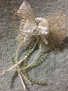 Items similar to Gold Fishnet Hair Bow, Satin Korker Tail Streamers on Etsy Gold Hair Bow, Hair Bows, White Chiffon, Handmade Items, Handmade Gifts, Gold Beads, Streamers, Brooch, Pearls