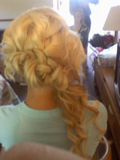 loose girls & side braid