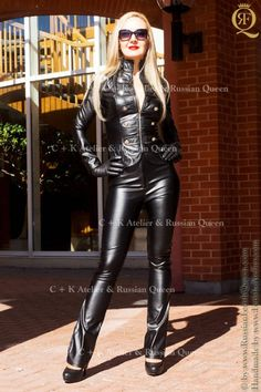 C K leather pants PVC pants with long invisible side Leather Catsuit, Leather Gloves, Leather Jacket, Leather Pants Outfit, Leather Dresses, Lederhosen Outfit, Leder Outfits, Female Supremacy, Latex Girls