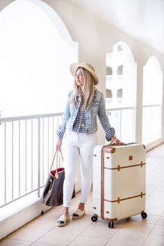 53 Wonderful Spring And Summer Women Outfits Ideas For Airport Style Winter Travel Outfit, Winter Outfits, Travel Clothes Women, Clothes For Women, Nordstrom Shoes, Airport Style, Travel Style, Travel Chic, Beach Outfits