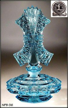 Beautiful AQUAMARINE glass Czech perfume bottle with very fine detail work. Please note, that this NOT currently made piece in the Czech Republic, but a perfume bottle still made in CZECHOSLOVAKIA in Perfumes Vintage, Antique Perfume Bottles, Vintage Perfume Bottles, Bottle Design, Glass Design, Perfume Storage, Blue Perfume, Bottle Jewelry, Baccarat Crystal