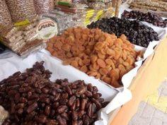 Alimentul care previne atacul vascular cerebral. De ce este bine să îl consumăm zilnic Dried Fruit, Raisin, Metabolism, Health Benefits, Almond, Two By Two, Tasty, Snacks, Food