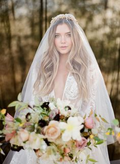 35 Gorgeous Bridal MakeUp Ideas For Classy Brides! 35 Gorgeous Bridal MakeUp Ideas For Classy Brides!A rule that you should be careful not only for your bridal makeup, but for all your life: Headpiece Wedding, Wedding Veils, Bridal Headpieces, Wedding Bride, Gold Wedding, Wedding Crowns, Dream Wedding, Wedding Dresses, Crystal Wedding