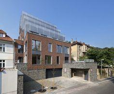 Резиденция под Бертрамкой (Rezidence Pod Bertramkou) в Чехии от Adamek Maly Architekti.