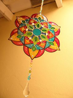 Cd Crafts, Diy And Crafts, Arts And Crafts, Wallpaper Nature Flowers, Hamsa Design, Recycled Cds, African Art Paintings, Glass Painting Designs, Cd Art