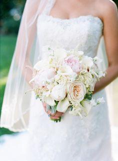 Pretty pastel bouquet | Photography: Faith Teasley - faithteasley.com