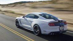 VIDEO: The best Shelby GT350 Mustang engine/exhaust audio yet - Road & Track