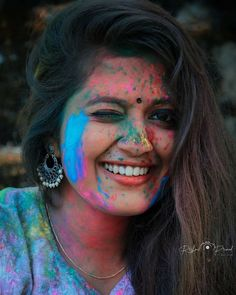 Holi Pictures, Girl Pictures, Girl Pics, Creative Portrait Photography, Creative Portraits, Holi Girls, Holi Celebration, Happy Holi, Beauty Full Girl
