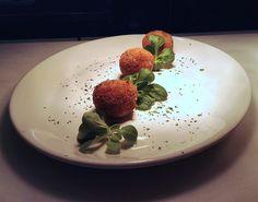 Croquetas de patata, trufa y queso #tapas #restaurante #Madrid #cocinaitaliana #trufa