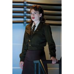 Peggy Carter (Hayley Atwell): Captain America, the First Avenger Peggy Carter, Hayley Atwell, Avengers Girl, Military Dresses, Marvel Dc, Marvel Comics, Military Fashion, Retro, Captain America