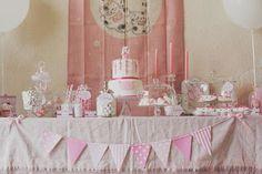 table de douceurs rose