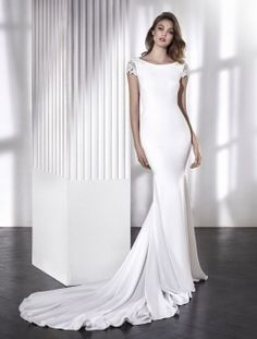 Lara-Lara- Fitted crepe dress with open back and diamante cap sleeves. San Patrick by Pronovias New 2018 Bridal Collection San Patrick, Wedding Dress Outlet, Wedding Dress Shopping, Simple Wedding Gowns, Simple Gowns, Pronovias Wedding Dress, White Bridal, Designer Wedding Dresses, Bridal Collection