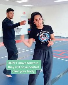 Self Defence Training, Self Defense Moves, Self Defense Martial Arts, Self Defense Techniques, Best Self Defense, Boxing Training, Self Defense For Women, Mma Videos, Over 50 Fitness