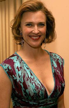 Brenda Strong Photos - Actress Brenda Strong arrives to the Annual PRISM Awards at the Beverly Hills Hotel on April 2006 in Beverly Hills, California. Sharon Lawrence, Brenda Strong, Celebs, Celebrities, Other Woman, Awards, Sari, Dallas, Comedy