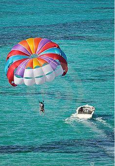 Photo about Parasailing over the Caribbean ocean, bahamas. Image of tropical, paraglide, boat - 8645228 Jet Ski, Bora Bora, Dream Vacations, Vacation Spots, Rafting, Sports Nautiques, Water Sports, Hang Gliding, Viajes