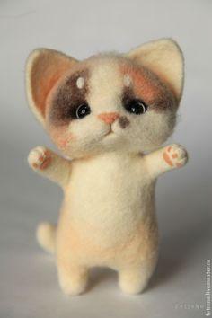 Кошечка-капустница. Игрушка из войлока. Handmade.