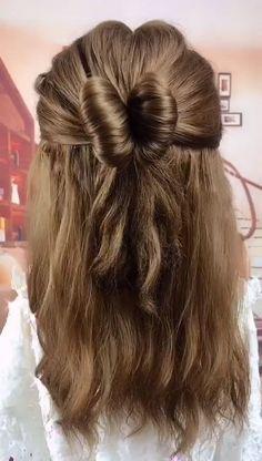 74 Stunning Prom Hair Ideas for 2019 Cute Braided Hairstyles, Girl Hairstyles, Blowout Hair, Curling, Prom Hair, Hair Lengths, Curly Hair Styles, Hair Makeup, Hair Cuts