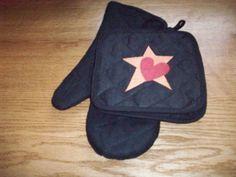 black pot holder with star & heart