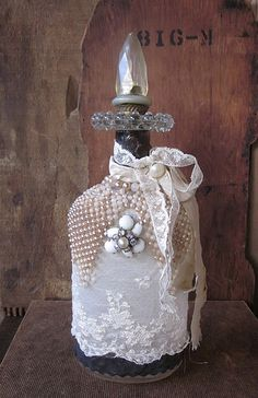 Another one of Lisa's gorgeous altered bottles!