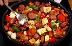 Τηγανιες με λουκάνικο που θα απογειώσουν το γιορτινό τραπέζι Greek Recipes, Kung Pao Chicken, Ratatouille, Tapas, Kai, Food And Drink, Appetizers, Cooking Recipes, Lunch