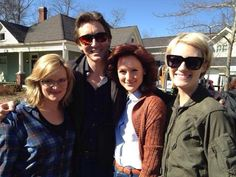 Lee Pace and colleagues on set of Halt and Catch Fire wearing those awesome Joe MacMillan shades! And notice that his arms are long enough to hold three women at a time!