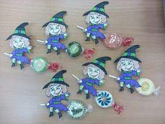 Lollipop craft idea for kids Halloween Arts And Crafts, Halloween Boo, Halloween Candy, Halloween Decorations, Christmas Crafts, Cute Crafts, Diy And Crafts, Crafts For Kids, Paper Crafts