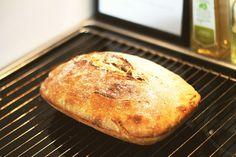 Eltefritt brød, eller som noen kaller det '' no knead bread '', er et brød som alle kan klare å lage! Superenkelt - og supergodt!!
