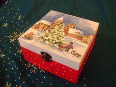 karácsonyi doboz Decoupage, Arte Country, Xmas, Christmas, Decorative Boxes, Art Deco, Home Decor, Christmas Art, Christmas Ornaments