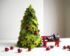Christmas Tree and 2 Owls by Intres