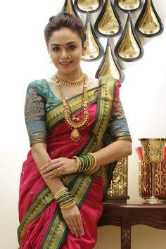 Luv d saree blouse combo Maharashtrian Saree, Marathi Saree, Marathi Bride, Marathi Nath, Maharashtrian Jewellery, Marathi Wedding, Wedding Bride, Indian Wedding Gowns, Indian Bridal Fashion