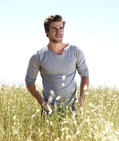 hunger games, liam hemsworth, and liam Bild
