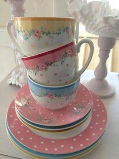 Cottage Charm ~ pastels ~ Teacups for Spring! Party Set, Tea Party, Pastel Home Decor, Tea Cozy, Vintage China, Vintage Tea, Tea Service, China Patterns, Tea Cup Saucer