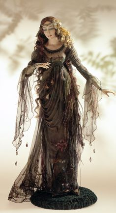 К ее лицу шел черный туалет... | Коллекционные фарфоровые куклы в светских костюмах XIX – XX веков. Обсуждение на LiveInternet - Российский Сервис Онлайн-Дневников
