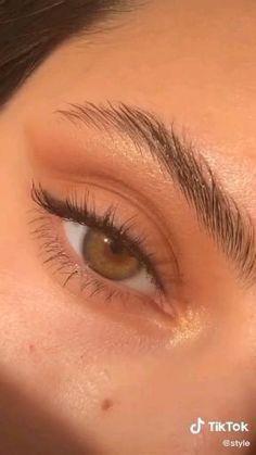Makeup Eye Looks, Smokey Eye Makeup, Makeup For Brown Eyes, Eyeshadow Looks, Eyebrow Makeup, Skin Makeup, Pink Eyeliner, Makeup Eyebrows, Gloss Eyeshadow