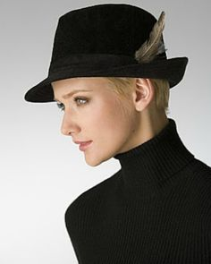 A BEAUTIFUL LITTLE LIFE: Short Pixie Hair With Hats? Yes You Can Rock a FEDORA!
