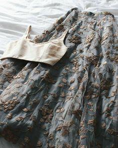 New Bridal Lehenga Blouse Dresses 65 Ideas Sharara Designs, Lehenga Designs, Indian Wedding Outfits, Indian Outfits, Indian Attire, Indian Wear, Outfit Essentials, Look Girl, Look Boho