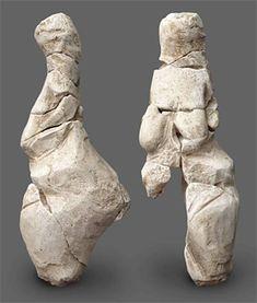 Venus de Renancourt - le site de Renancourt 1 était un campement de chasseurs qui ont laissé derrière eux différents artefacts - Une datation précise La méthode de datation au carbone 14 a permis de préciser la période à laquelle la désormais fameuse  «Vénus de Renancourt» a été taillée. Nous nous retrouvons en fin de culture gravettienne dans un laps de temps compris entre – 29 000 ans et – 21 000 ans.  A cette époque, dans la région, c'est donc un Homo sapiens qui a taillé cette vénus et…