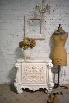 Shabby Chic Home Decor Shabby Chic Lamps, Shabby Chic Interiors, Rustic Shabby Chic, Shabby Chic Bedrooms, Shabby Chic Kitchen, Shabby Chic Cottage, Shabby Chic Style, Shabby Chic Furniture, Painted Furniture