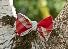 """Green Drift"" bow tie  www.sweetsouthernspud.com"