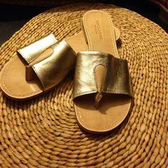 LIKE NEW~ AUTHENTIC FRANCESCA BIONDI SANDALS- WOMEN'S DESIGNER FRANCESCA BIONDI SANDALS- MADE IN ITALY - SIZE 7- RETAILS $245 FRANCESCA BIONDI  Shoes Sandals