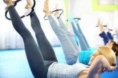 5 ezer forint, csodásan formálja az alakot, és leégeti a zsírt: 6 gyakorlat pilatesgyűrűvel - Fogyókúra   Femina Certified Personal Trainer, Cameron Diaz, Make A Change, Workout Programs, Helping People, Pilates, Ted, Ebooks, Conditioner