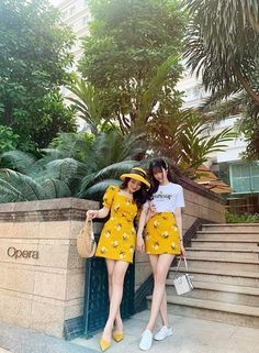 Urban Fashion, Daily Fashion, Cute Lesbian Couples, Ulzzang Korean Girl, Ulzzang Fashion, Urban Style, Friend Goals, Floral Fashion, Outfit Summer