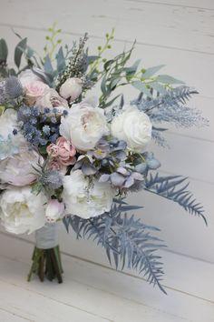 Bouquet Bleu, Thistle Bouquet, Bridal Bouquet Blue, Blue Wedding Flowers, Pink Bouquet, Blue Bridal, Wedding Flower Arrangements, Bridesmaid Flowers, Flower Bouquet Wedding