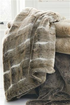 OMG Lurve this ever so cosy Luxe Faux Fur Throw. Pefect for nights in front of the TV #nextwinterwarmers