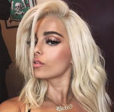 The Fappening Bebe Rexha Sexy Photos. Bebe Rexha is a 28 year old American singer and songwriter of Albanian origin. Bebe Rexha, Blone Hair, Bushy Eyebrows, Celebrity Singers, Bebe Baby, Hair 2018, Celebrity Hairstyles, Hairstyles 2018, Celebs