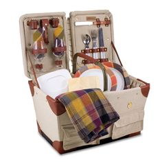 The Pioneer Picnic Box with service for the romantic couple.